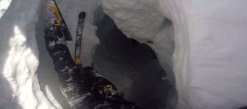 Chute dans une crevasse. Strahlhorn, 2015