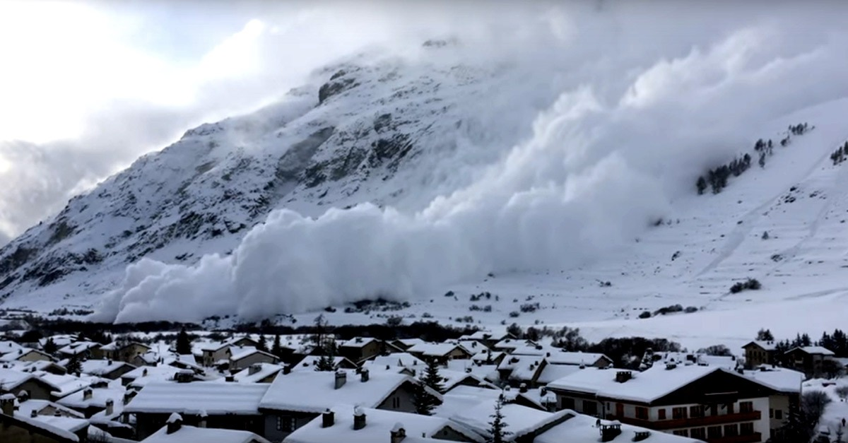 Ski : Avalanche à...