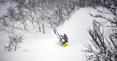 De la planche à voile sur neige
