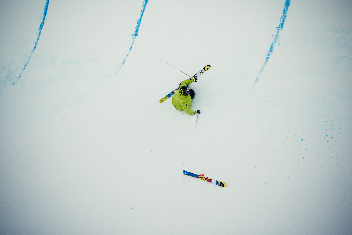 David falling in middle on the superpipe