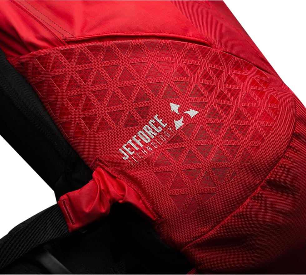 ski jetforce nouvelle technologie d 39 airbag par pieps et black diamond. Black Bedroom Furniture Sets. Home Design Ideas
