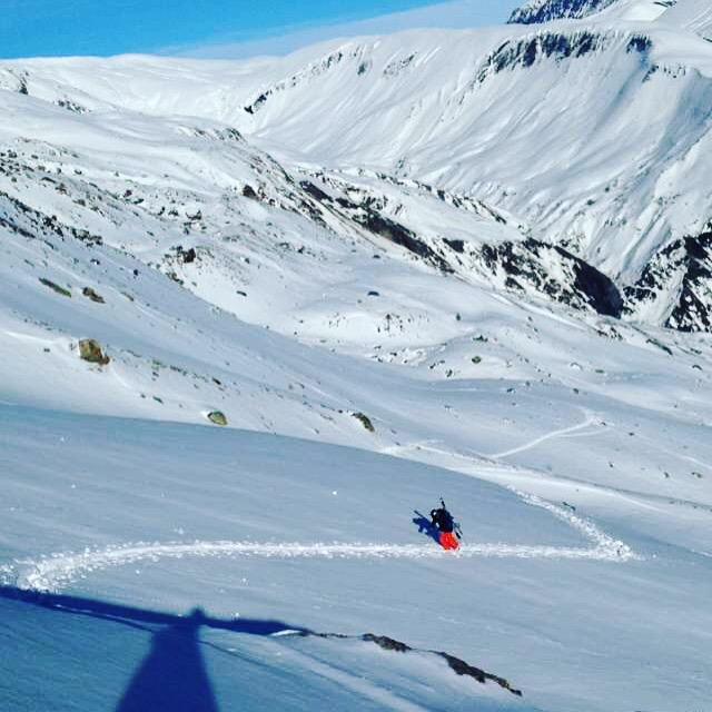 Remont e avec les skis sur le sac photo par pierre - Remontee d humidite par le sol ...