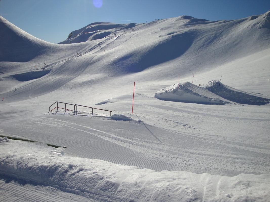 snowpark au mont dore winter circus