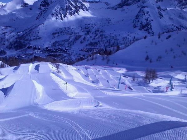 isola 2000 snowpark