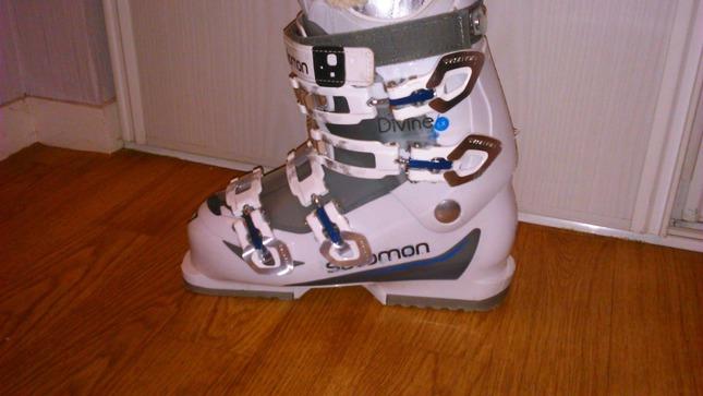 Vends Chaussure de ski femme SALOMON taille 24 (38)