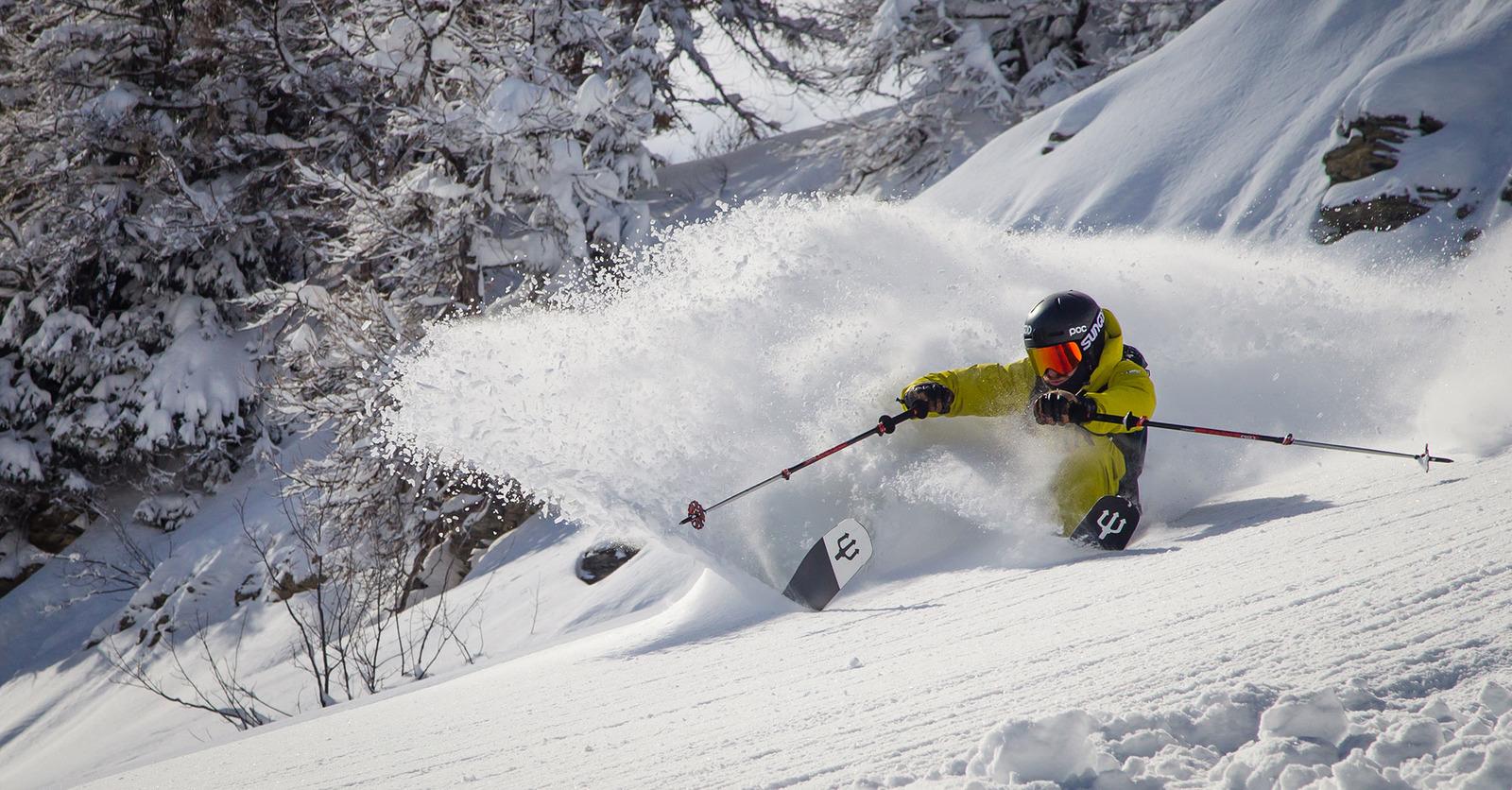 Skis White Cristal 2022