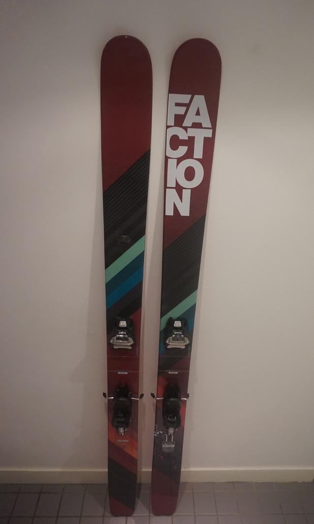 Faction Eleven : Un ski orienté Freeride puissant qui aime se faire rentrer dedans.
