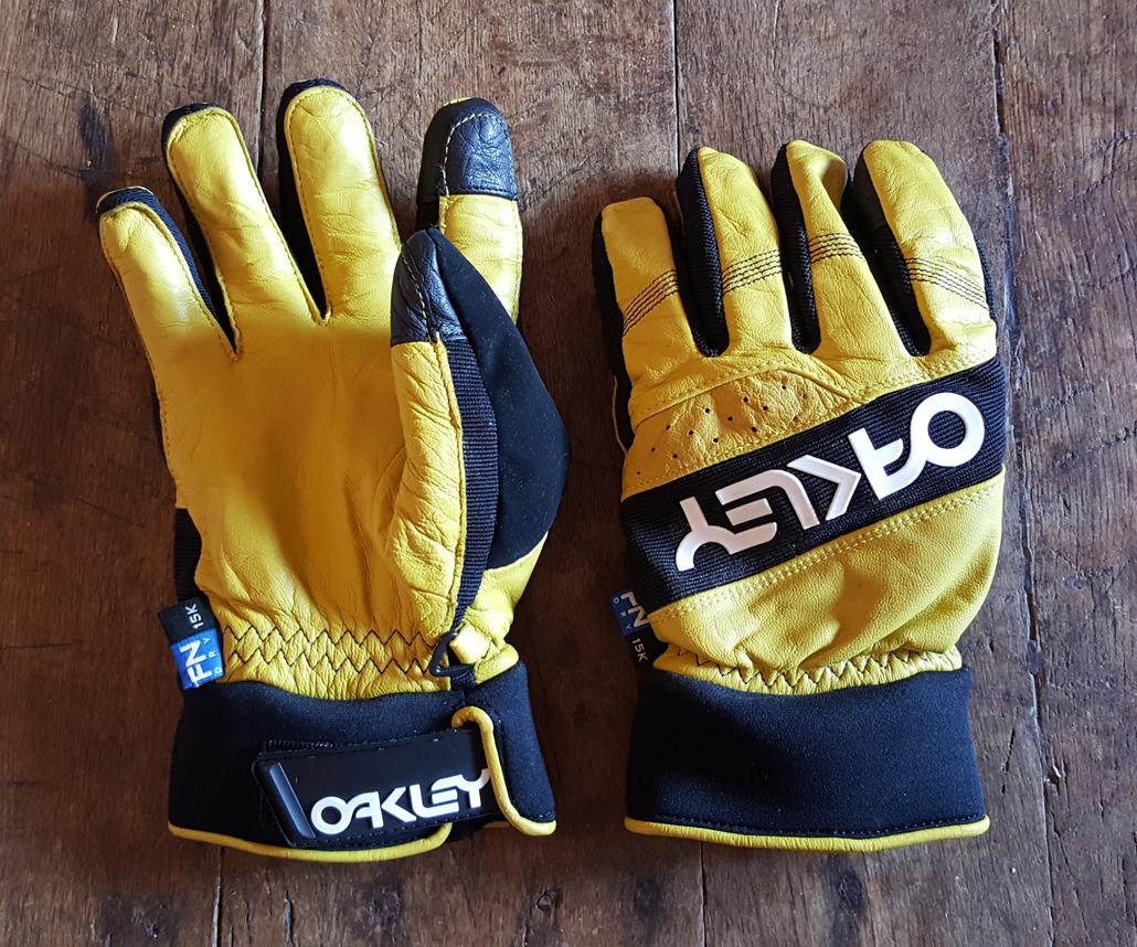 Oakley Factory winter 2