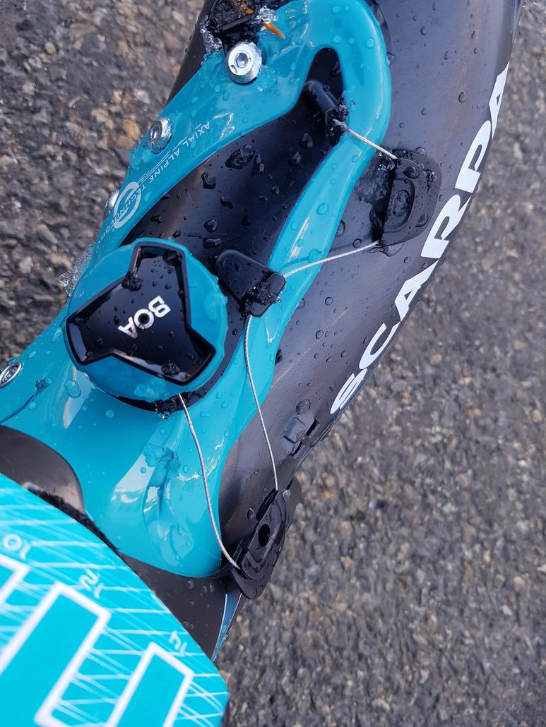 Scarpa F1 : Chaussure de randonnée cohérente, assez performante à la descente.