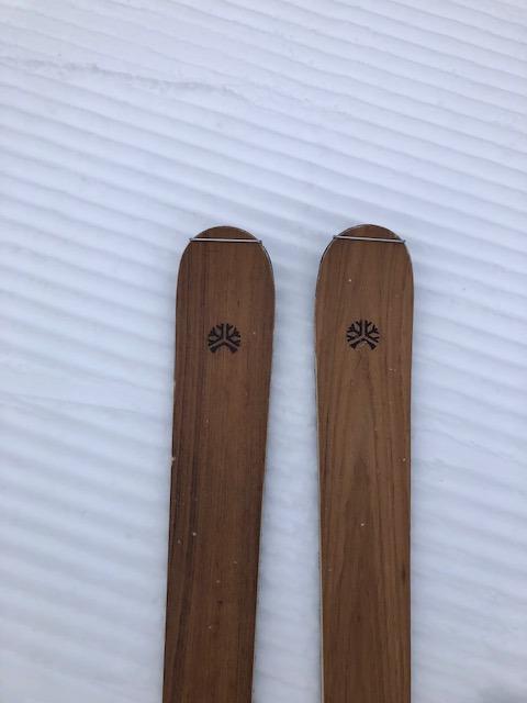 Liken Skis Carlit