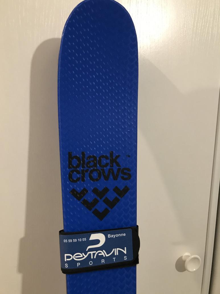 BLACKS CROWS Ova