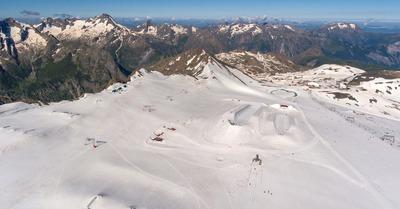 Des canons à neige pour sauver le glacier