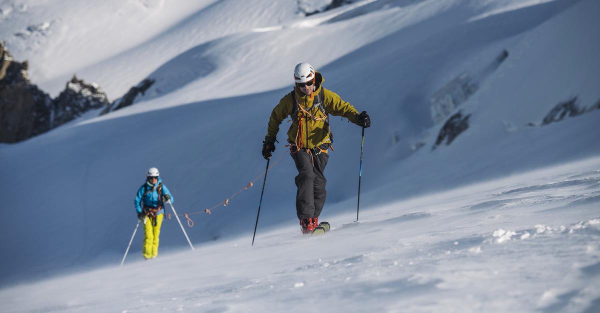 Pourquoi et comment porter un baudrier en ski?
