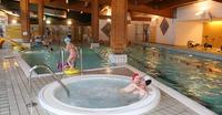 Equipements-Détente de la piscine des Glières
